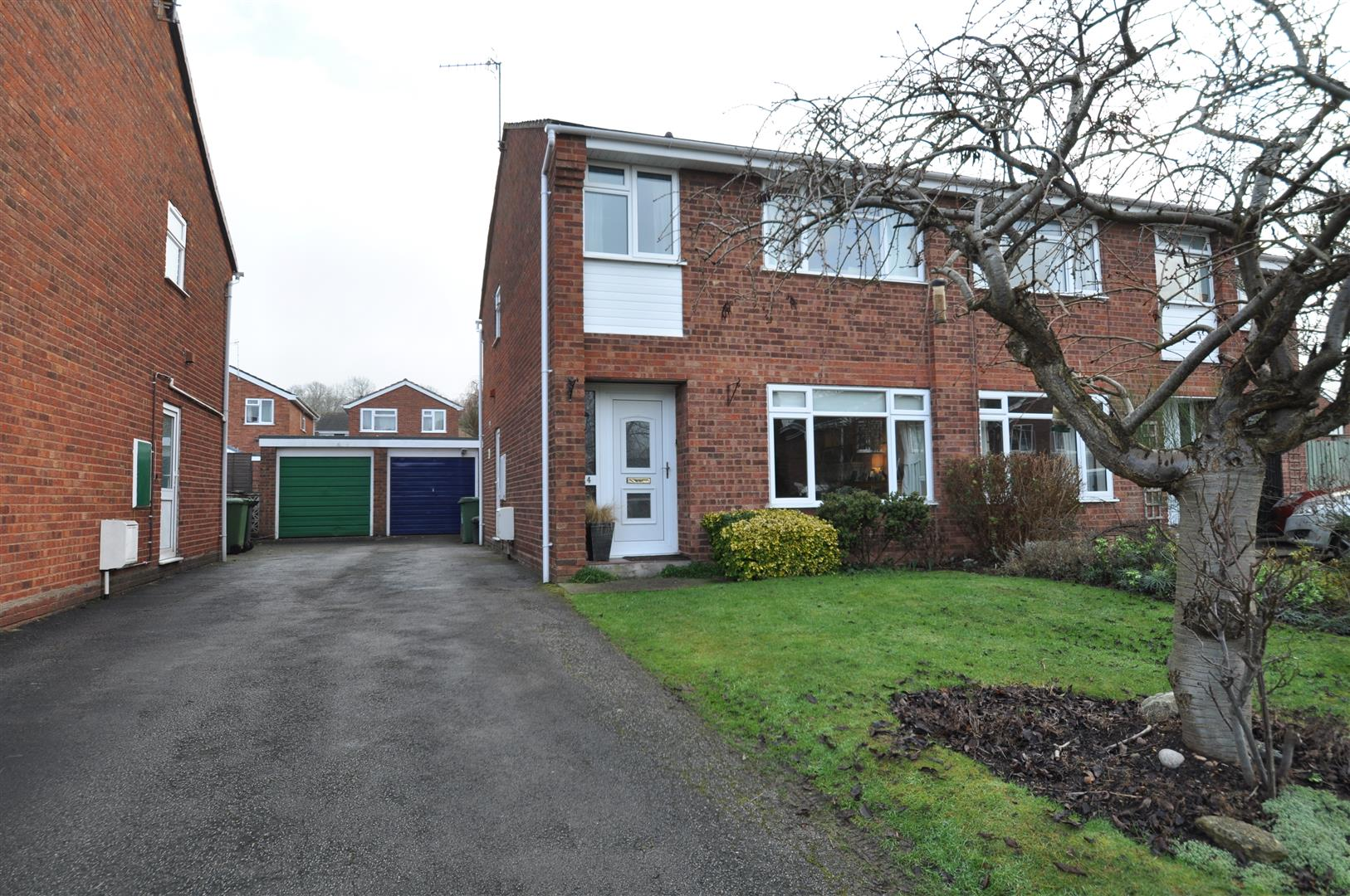 3 Bedrooms Semi Detached House for sale in Willets Road, Droitwich